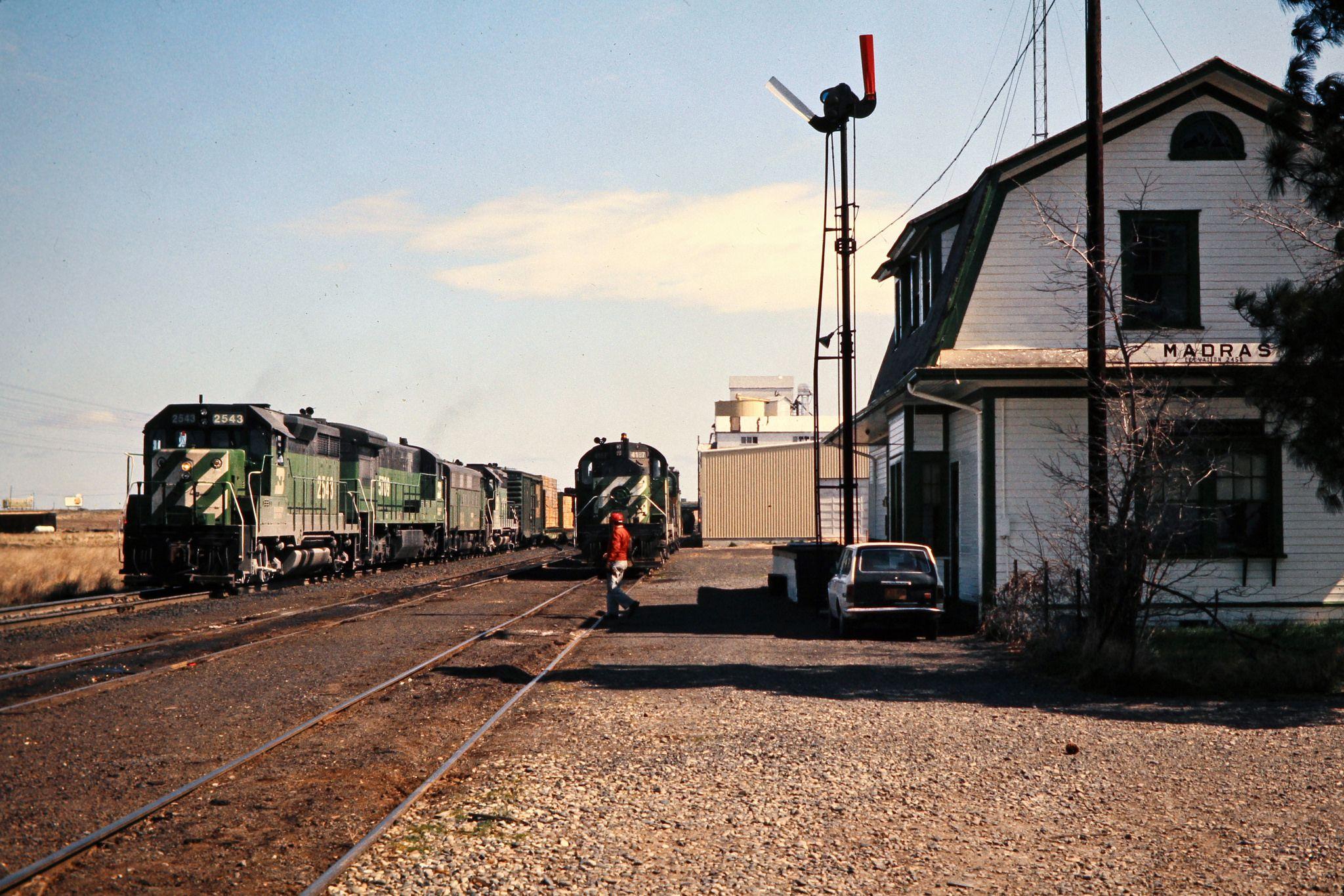 BN, Madras, Oregon, 1975 Southbound Burlington Northern