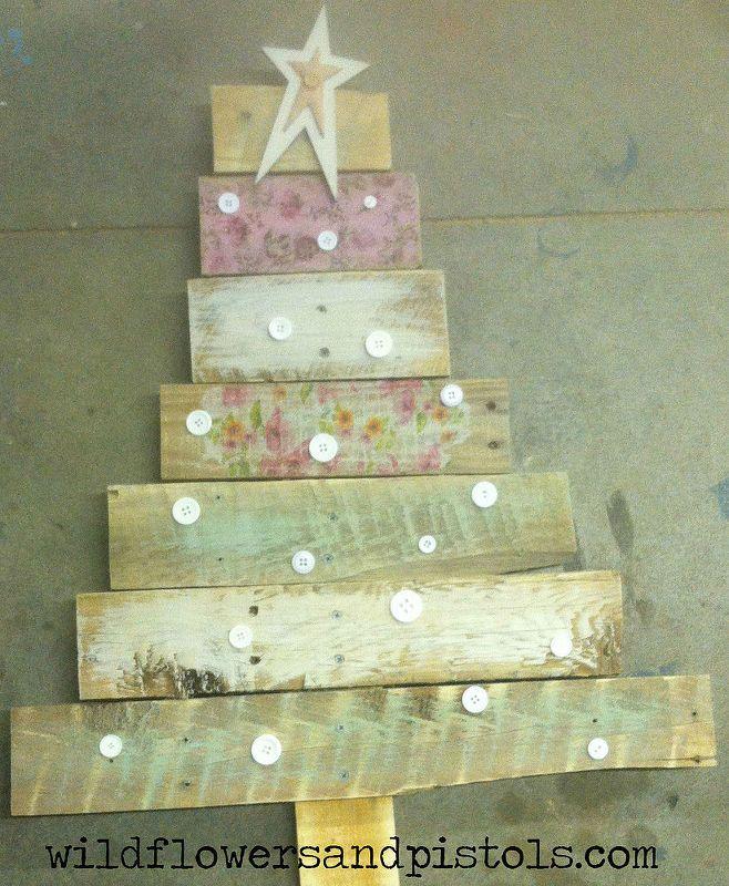 Pallet wood Christmas trees Pallet wood christmas, Pallet wood and - wood christmas decorations