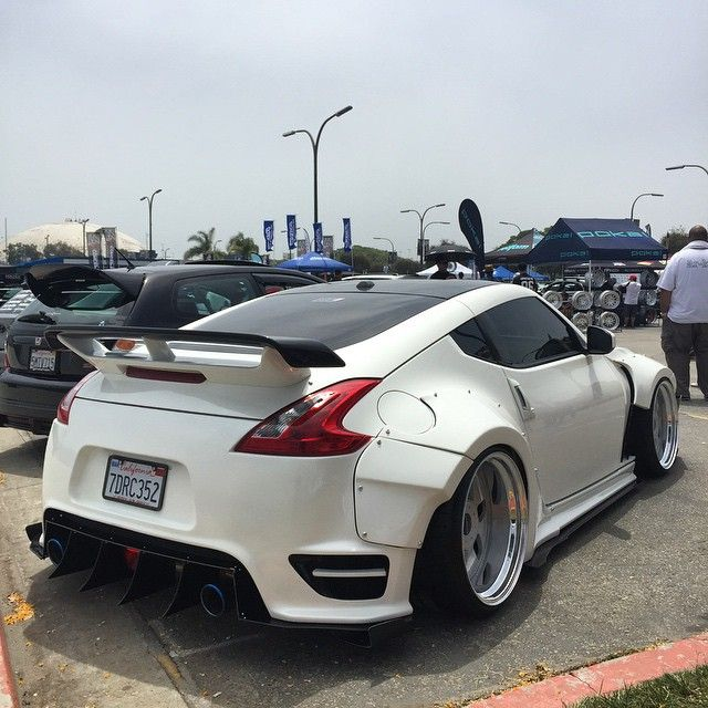 Charmant Nissan 370Z #WideBody