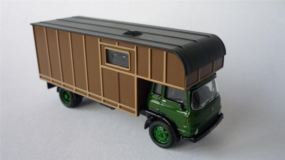 Green// Brown Oxford Diecast Bedford TK Horsebox