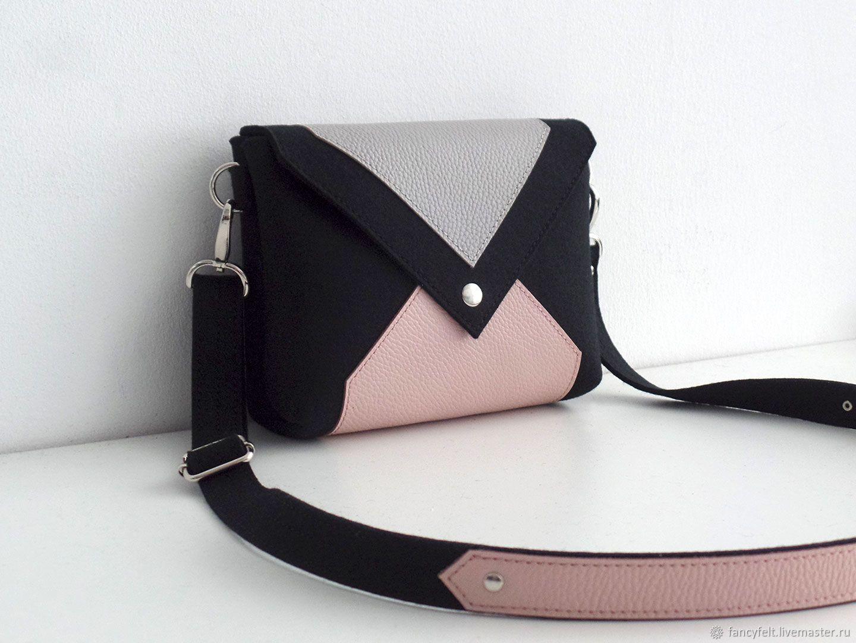 6b029a5e91ae Женские сумки ручной работы. Заказать Черная сумка через плечо из фетра и  натуральной кожи.