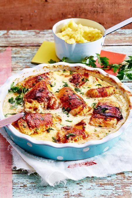 Putenröllchen in Frischkäsesoße mit Kartoffel-Knoblauch-Stampf Rezept | LECKER