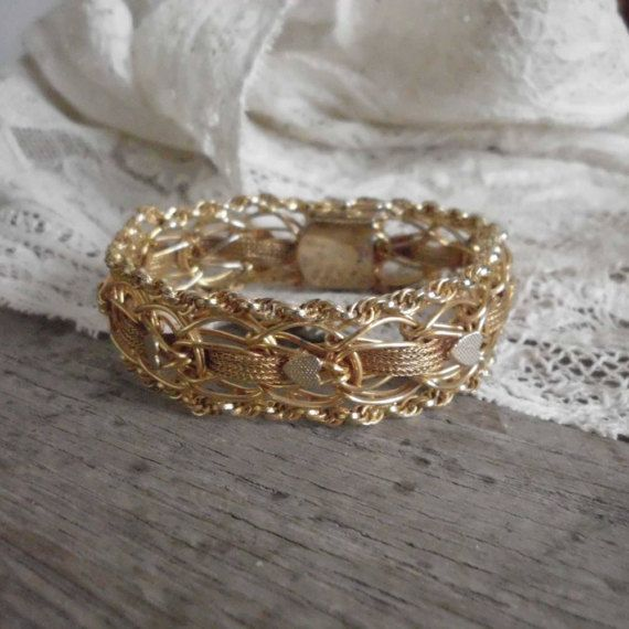 Hearts & Chains  Gold filled Flexible Bracelet by bettyrayvintage