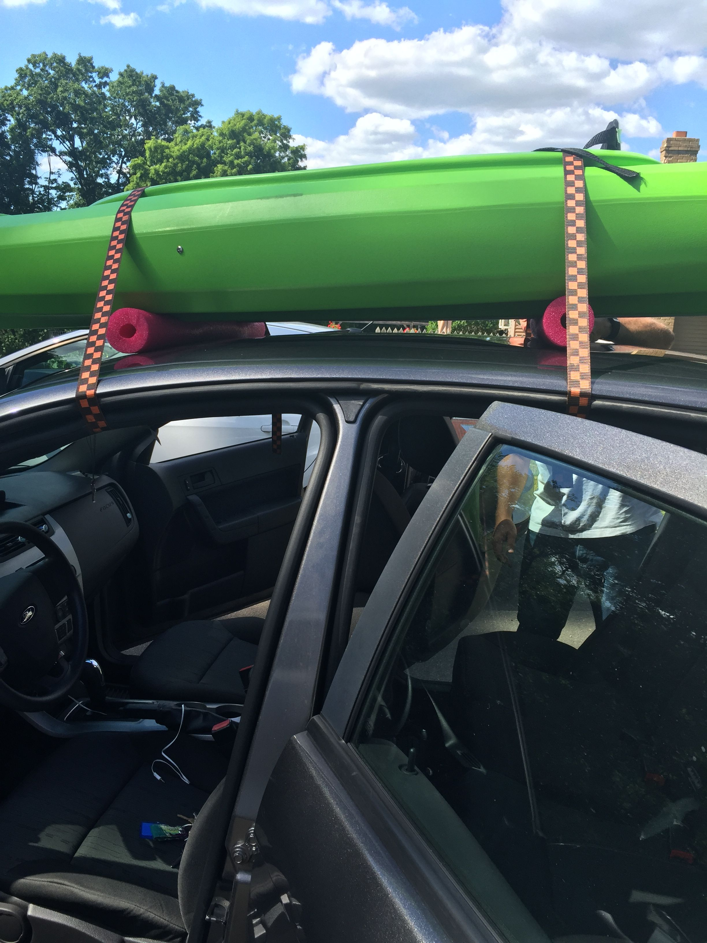 Diy Kayak Carrier With Pool Noodles Kayak Kayakcarrier Kayaking Transportingkayak Diy Kayaking Kayak Roof Rack Kayak Fishing