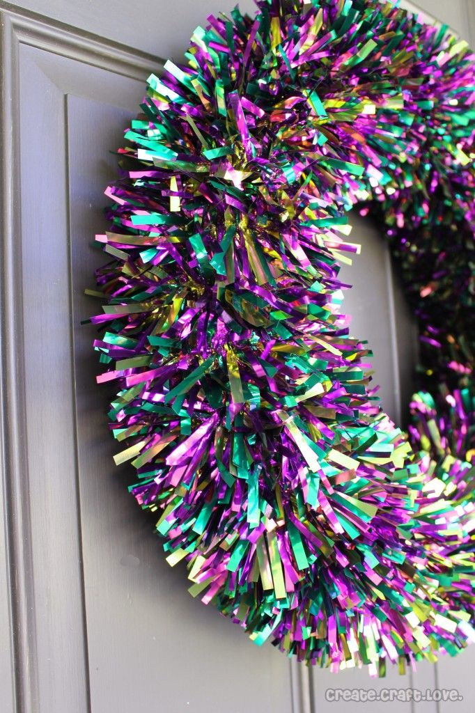 5 Minute Mardi Gras Tinsel Wreath Mardi gras decorations