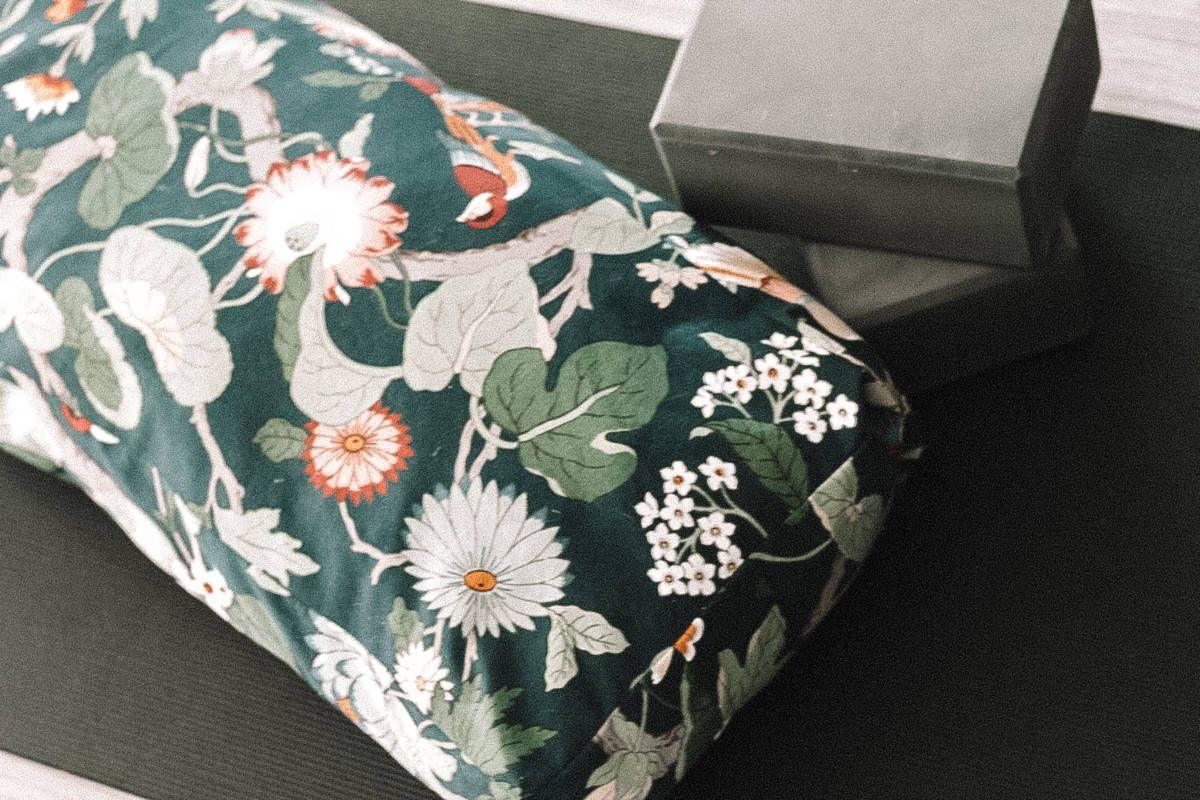 DIY Yoga Bolster Yoga bolster, Diy pillows, Bolster pillow