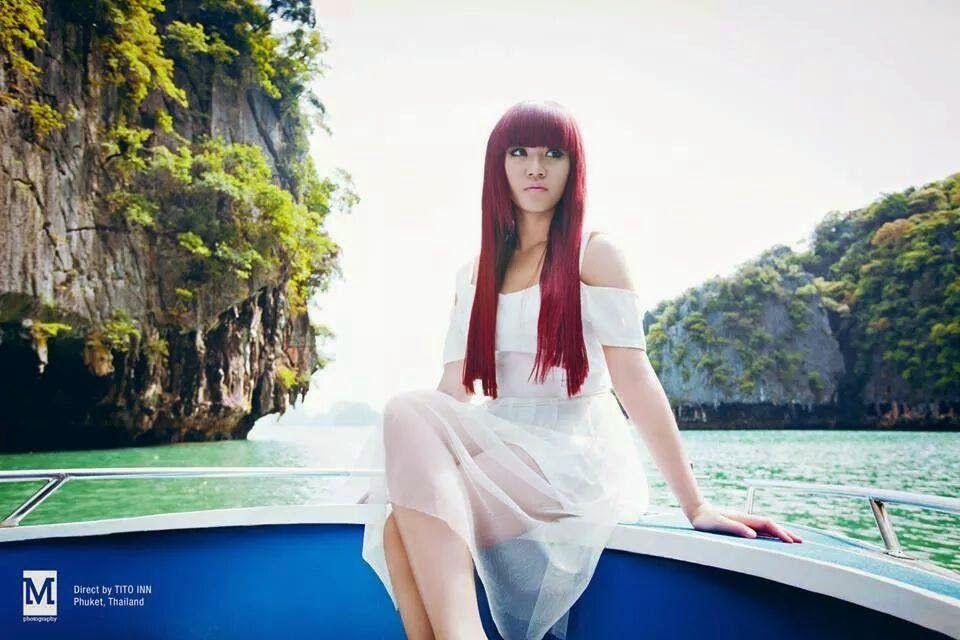 Tep Boprek (ទេព បូព្រឹក្ស), is a youngest singer in Reaksmey Hang Meas. She was born on 1993, in Phnom Phenh. Tep Boprek and Chhorn Sovannreach have a new album together called...#TepBoprek #khmer #cambodia #sexy #hot #actress #khmergirl #sexygirl #Khmercutegirl