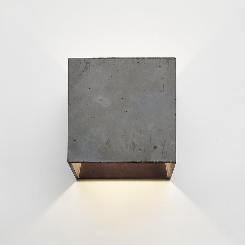 Schwarze Wandleuchte Beton Minimalistische Leuchte Schwarze Wandleuchte Oben Nach Unten Licht Indirektes Licht Betonlampe Wandlicht Cromia Dunkelgrau In 2020 Black Wall Lamps Wall Lamp Lamp