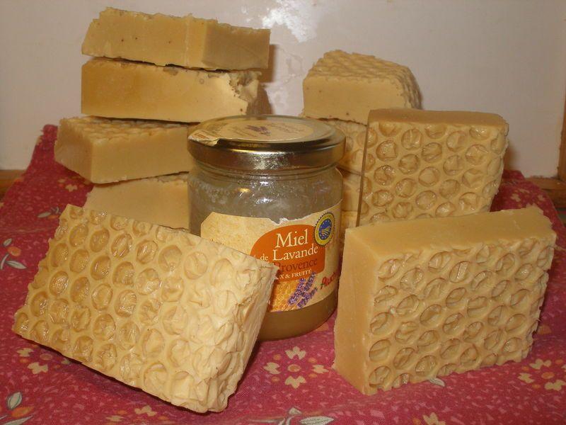 savons lait au miel brin de m lisse cosm tiques maison savons savon savon au lait et. Black Bedroom Furniture Sets. Home Design Ideas