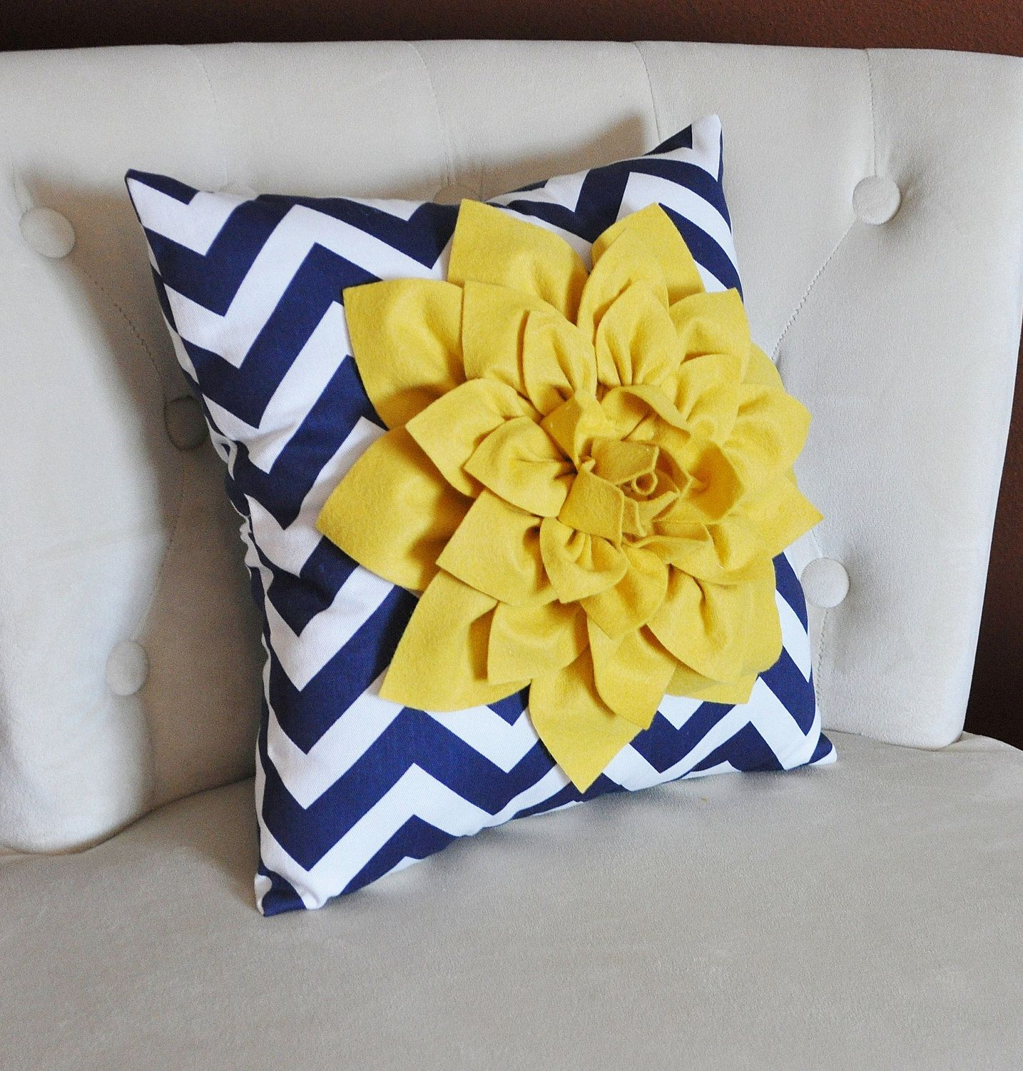 Decorative pillows with blue brown and yellow - Mellow Yellow Dahlia On Navy And White Zigzag Pillow Chevron Pillow
