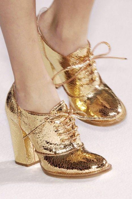 blush and gold wedding cake   ... ♥ Gold Wedding Shoes. Vintage ...