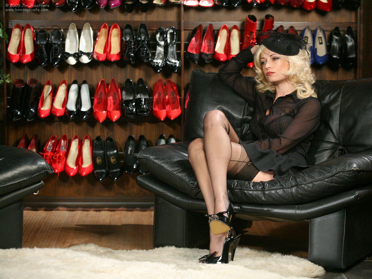 Crossdressers femdom high heels