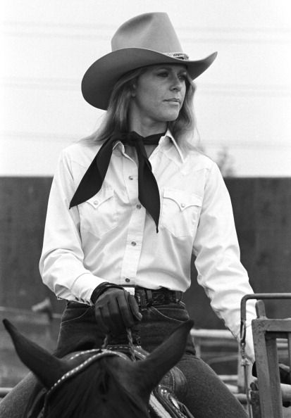 Rodeo' Episode 5 Aired 10/15/77 Pictured Lindsay Wagner as Jamie Sommers Photo by NBCU Photo Bank