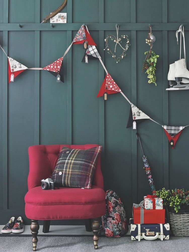 TICKET (for 2 people) FOR COUNTRY HOMES  INTERIORS CHRISTMAS