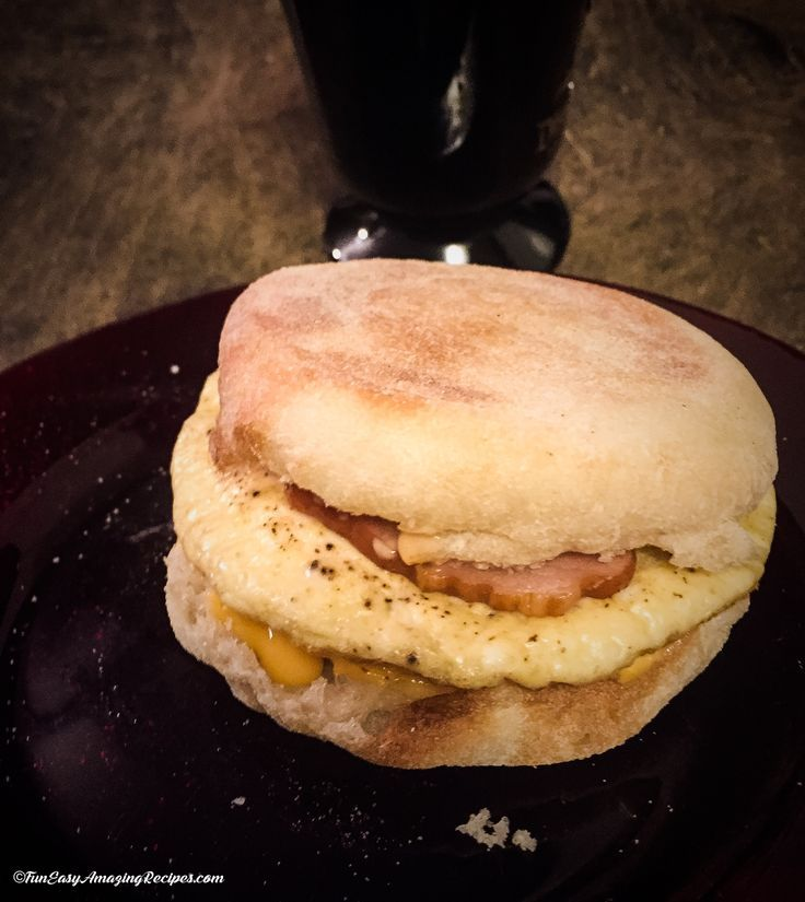 Egg Breakfast Sandwich - Good tasting and good for you, this sandwich packs some punch and is both filling and low cal!