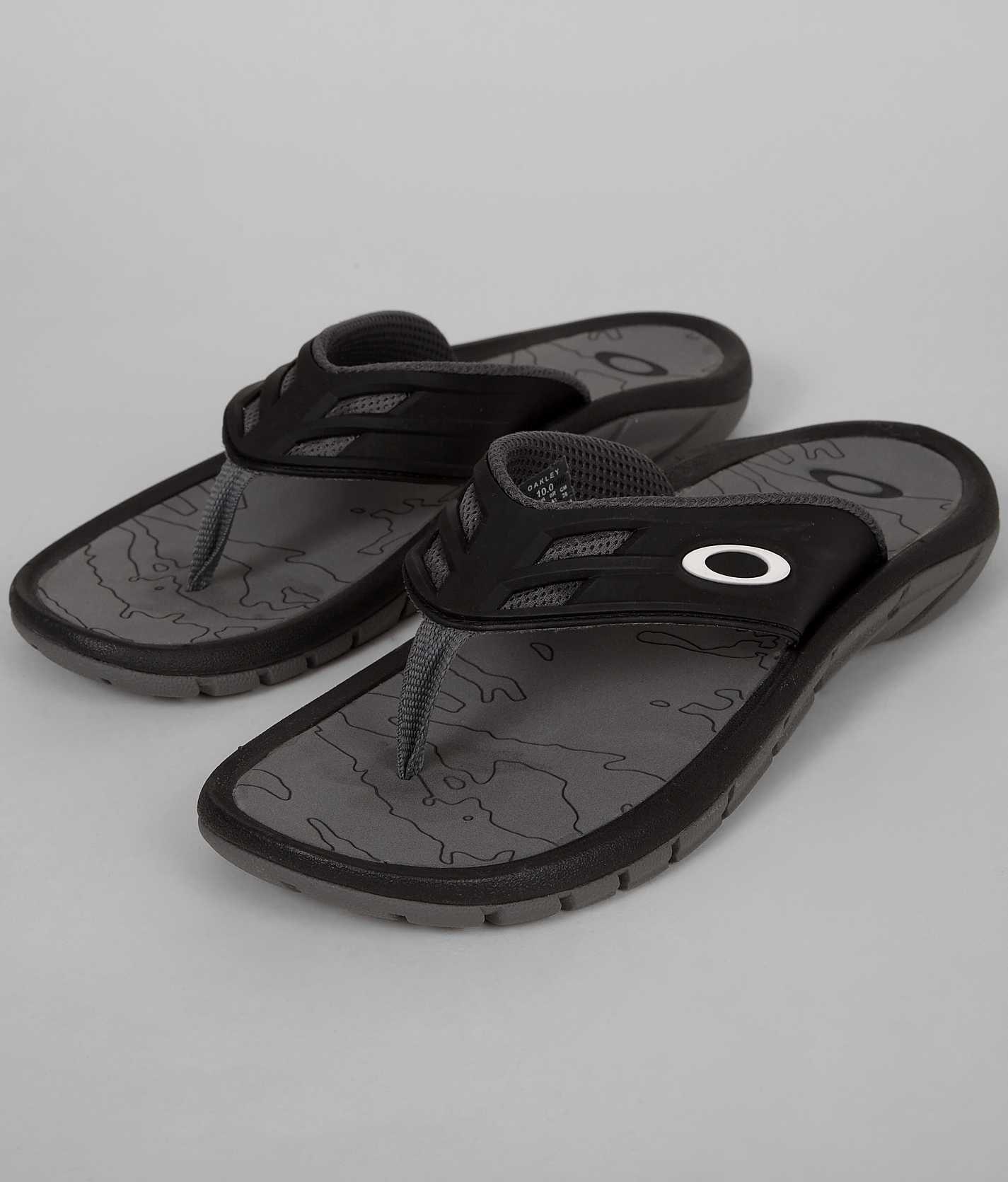 38b0d9248f Oakley SuperCOIL Flip - Men s Shoes
