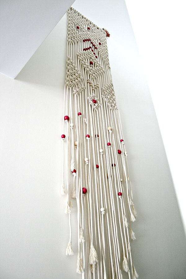 diamond rain macrame wall hanging from deko kn pfen handarbeit und weben. Black Bedroom Furniture Sets. Home Design Ideas