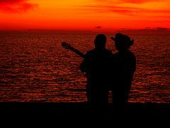 El Dueto (Dan Lopez H.) Tags: friends beach atardecer mar playa olas seores duetospuertopeascomalecon guitarrapersonas
