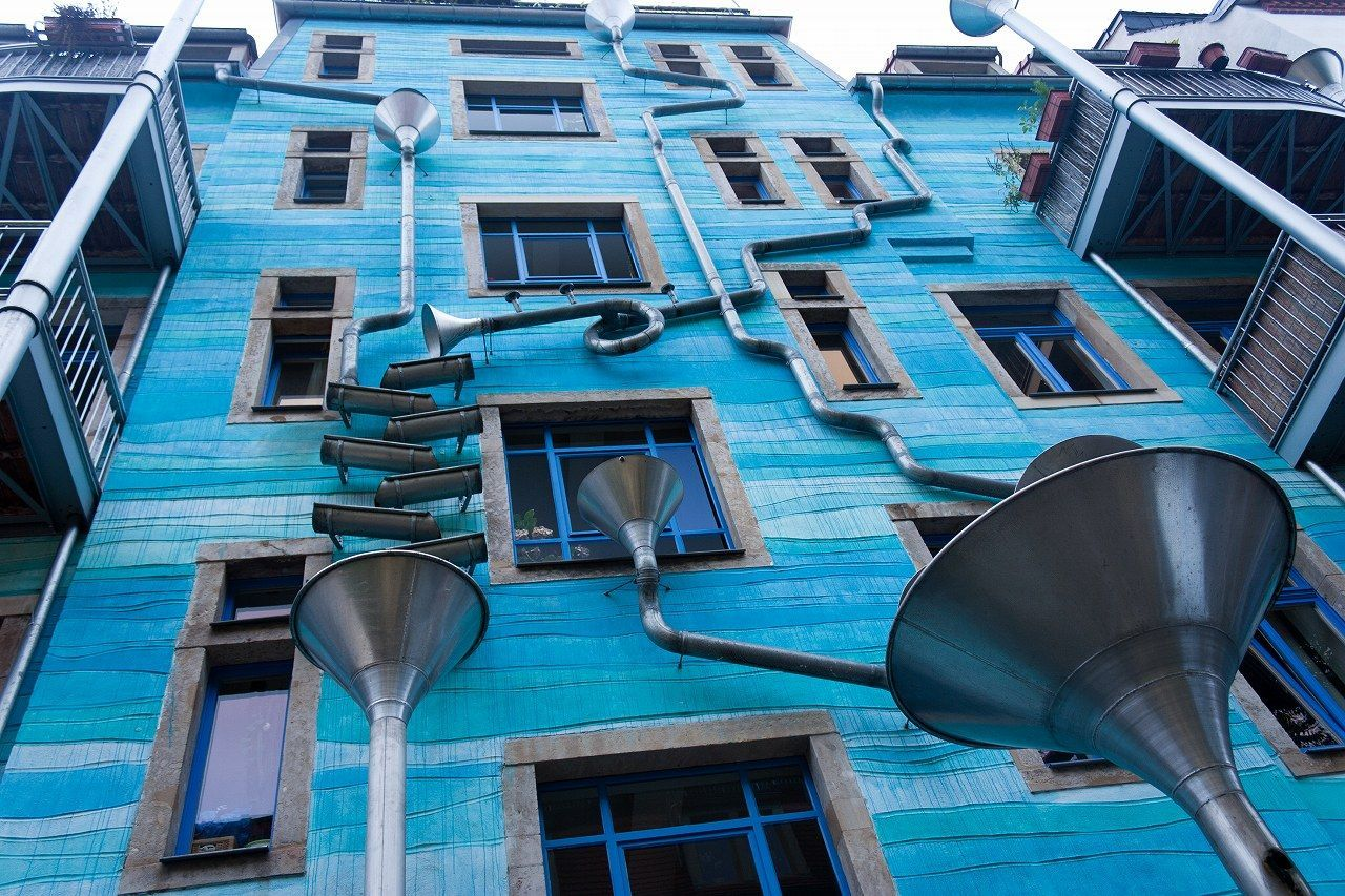 Curiosity killed the blogger - Neustadt Kunsthofpassage, il palazzo che suona quando piove