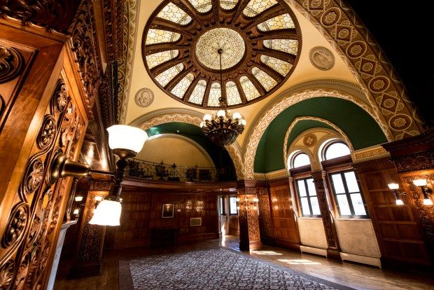 The Chief Justice Room Of The Landmark Center In St Paul Is Seen Aug 22 2016 This Is The Fanciest Room In The Building St Paul Minnesota Saint Paul Paul