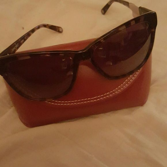 8f5f50e142 Nine West sunglasses It is a tortoise frame with brown lenses Nine West  Other
