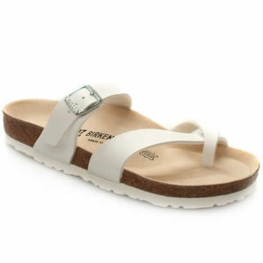 Birkenstock Cozumel Footbed sandal from Birkenstock with a twin strap toe post and a third adjustable strap across the instep. Moulded leather footbed. Cork latex padding and a shock absorbing EVA sole to ensure ultimate http://www.comparestoreprices.co.uk/womens-shoes/birkenstock-cozumel.asp
