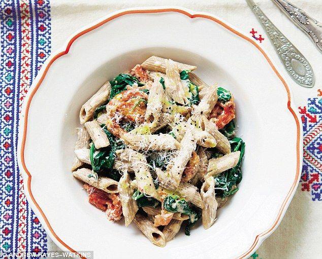 Davina McCall: Roast tomato pasta | Healthy eats | Roasted tomato pasta, Roasted tomatoes ...