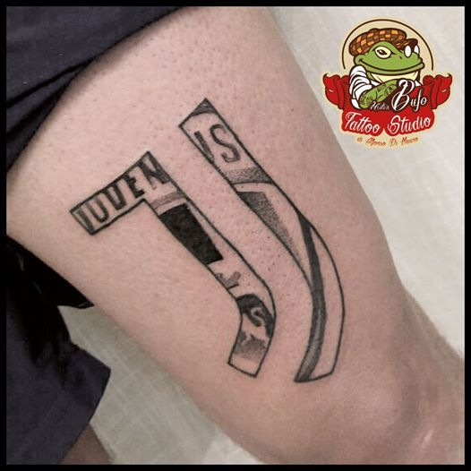 juventus logo fusion tattoo tattoos tattooed tattooart tattooing tattooflash tattooist. Black Bedroom Furniture Sets. Home Design Ideas