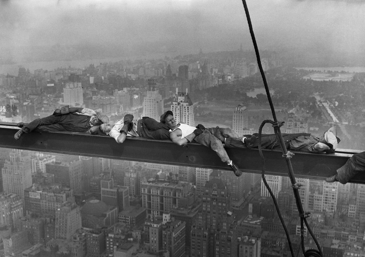 Lewis W. Hine :: New York Pause / Construction Workers Resting on a Steel Beam above Manhattan, 1930′s  / more [+] by this photographer