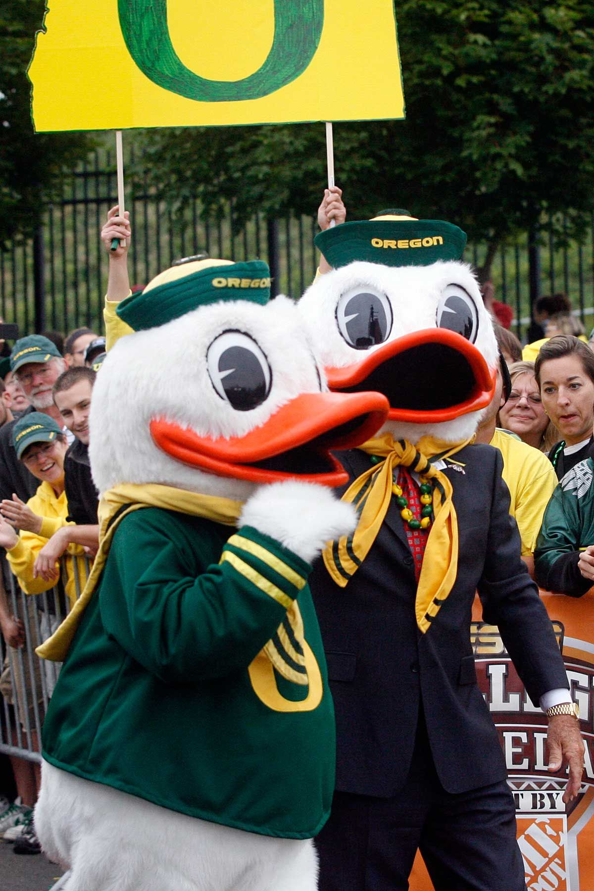 The Duck and his good buddy Lee Corso before the Stanford ...