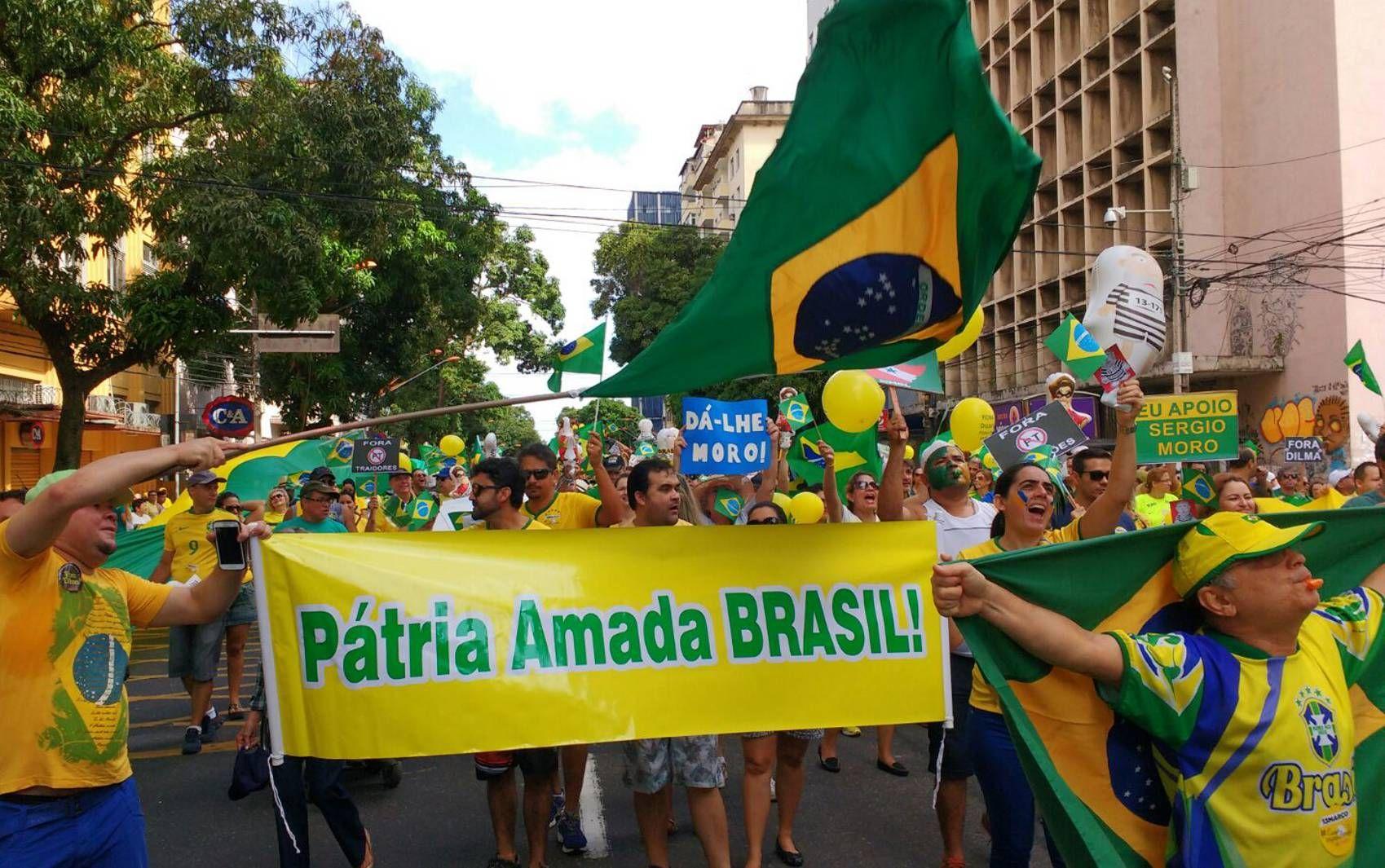 BELÉM (PA): Manifestação teve início às 9h pelas ruas da capital paraense