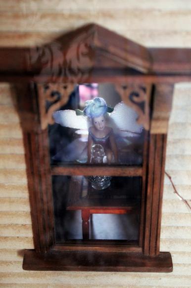 Jenny Lawson (aka The Bloggess) has a haunted dollhouse. | kirtsy
