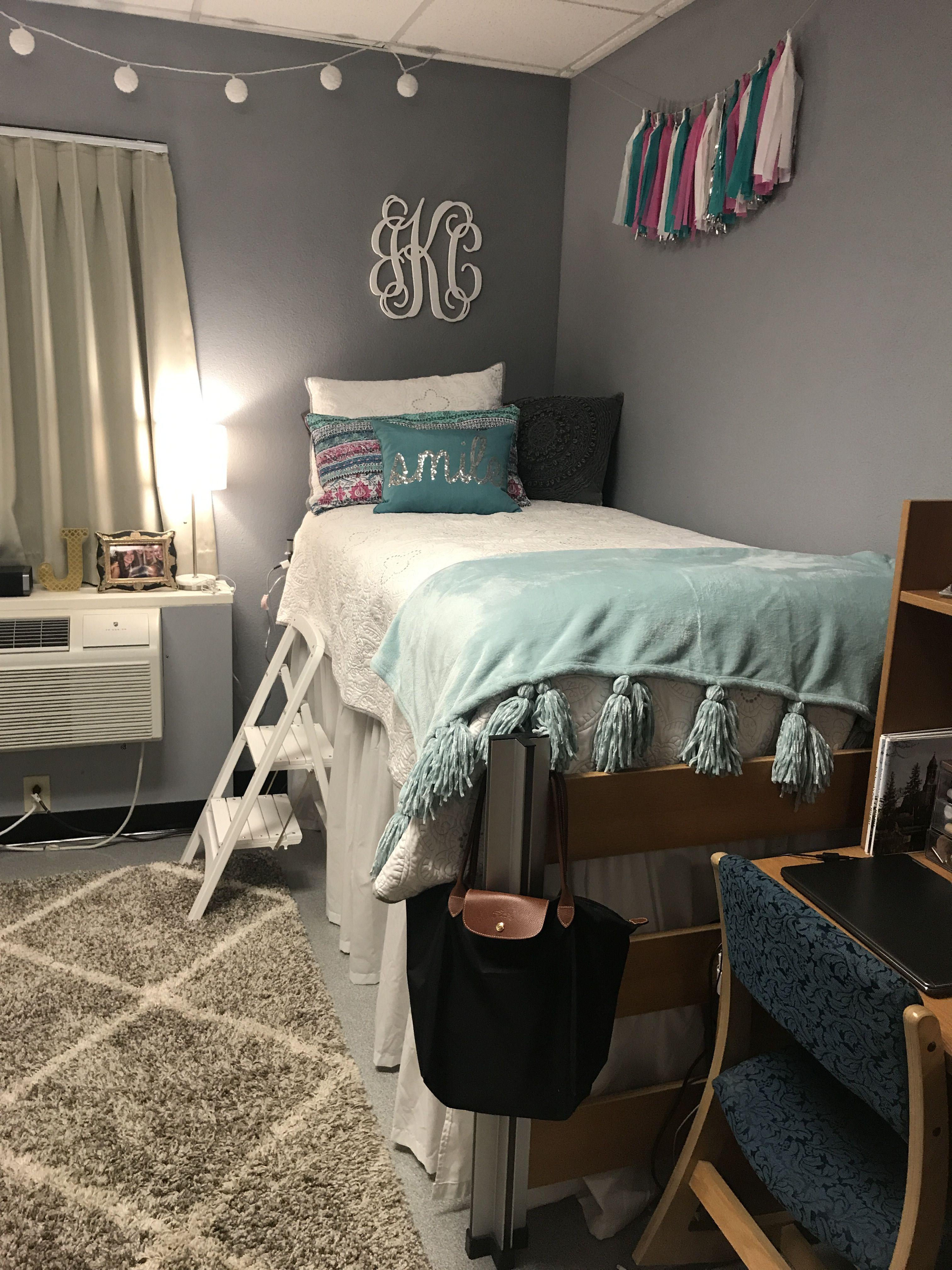 Dream Dorm Room: Pin By Jᴜʟɪᴀ ᴋʀᴜᴢᴀɴ On Dᴏʀᴍ