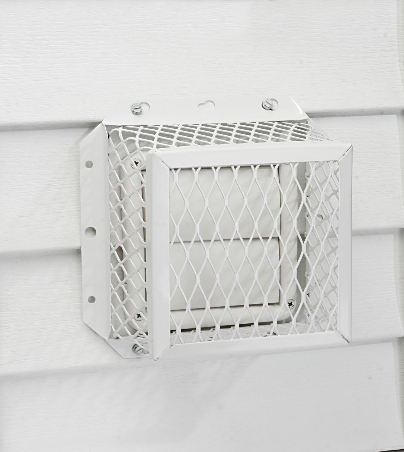 Dryer Vent with Wire Mesh Cover | Home Exterior, Garden ...
