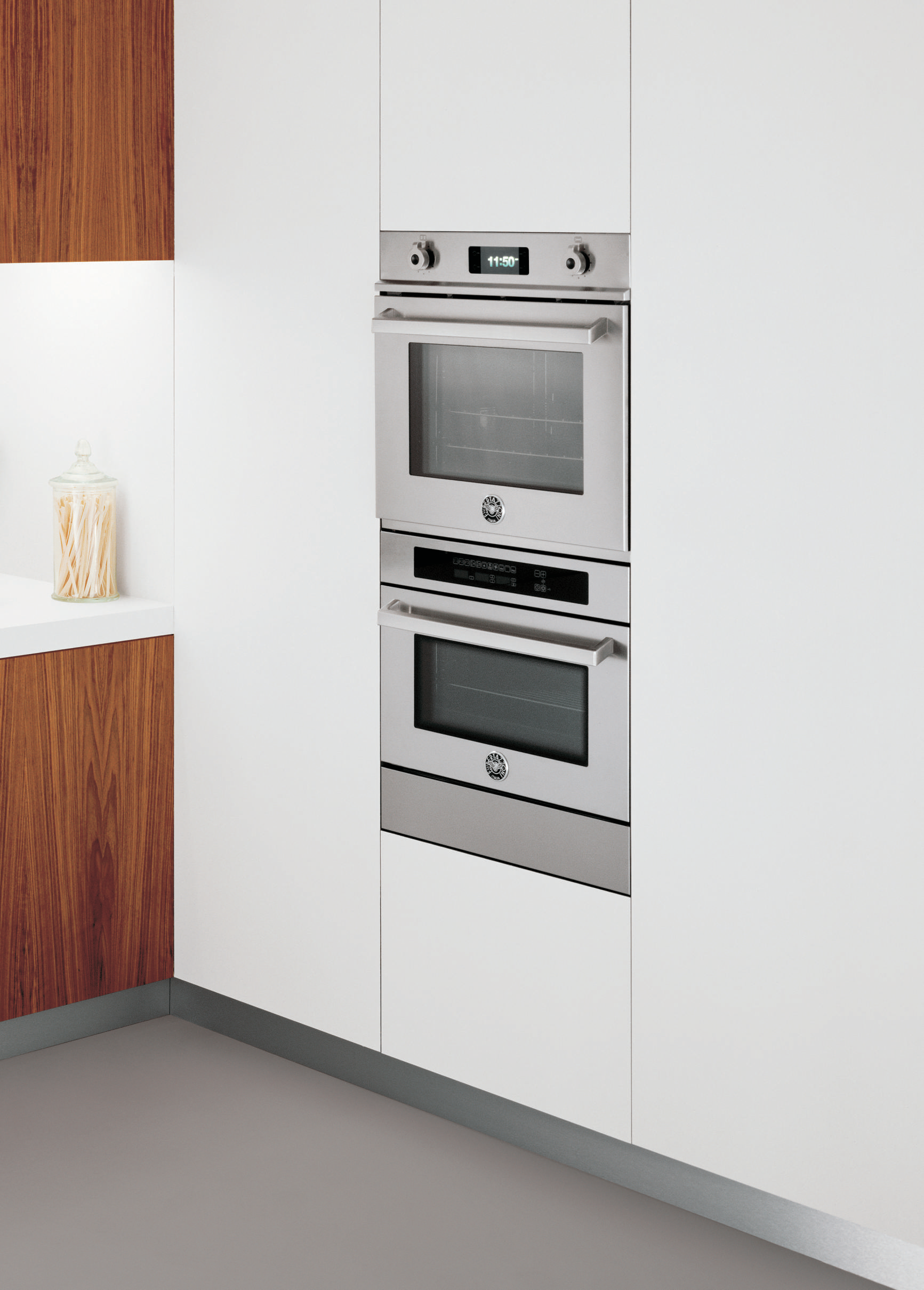 bertazzoni professional series multifunction electric oven 76 cm