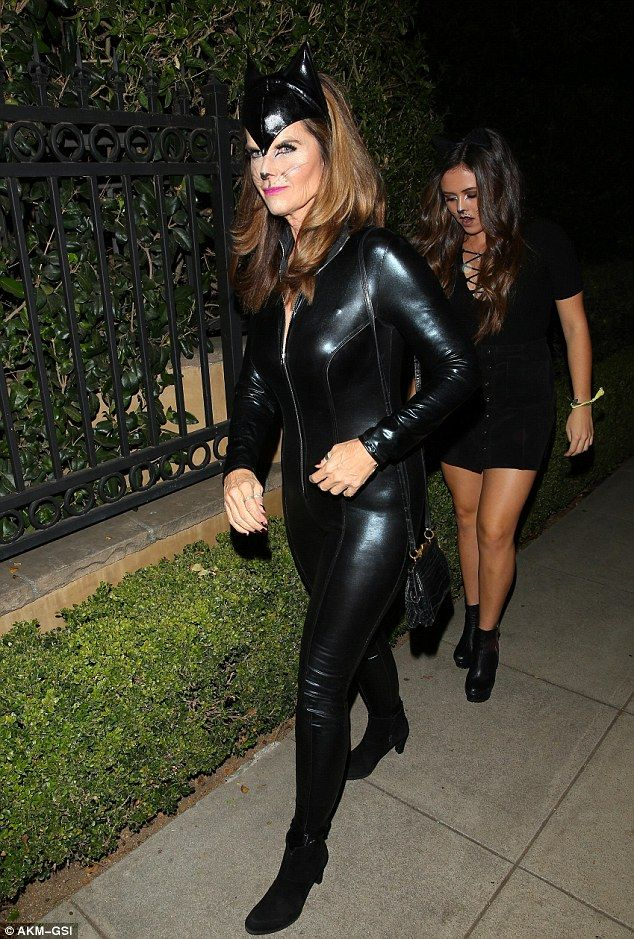 titten party leder catsuit