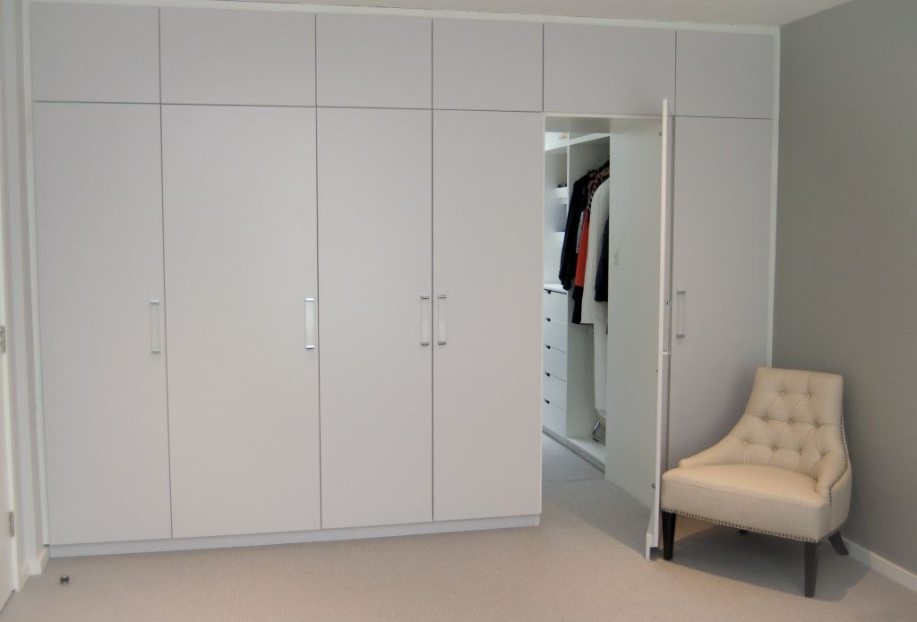 Contemporary Built In Wardrobe Units With Hidden Tv