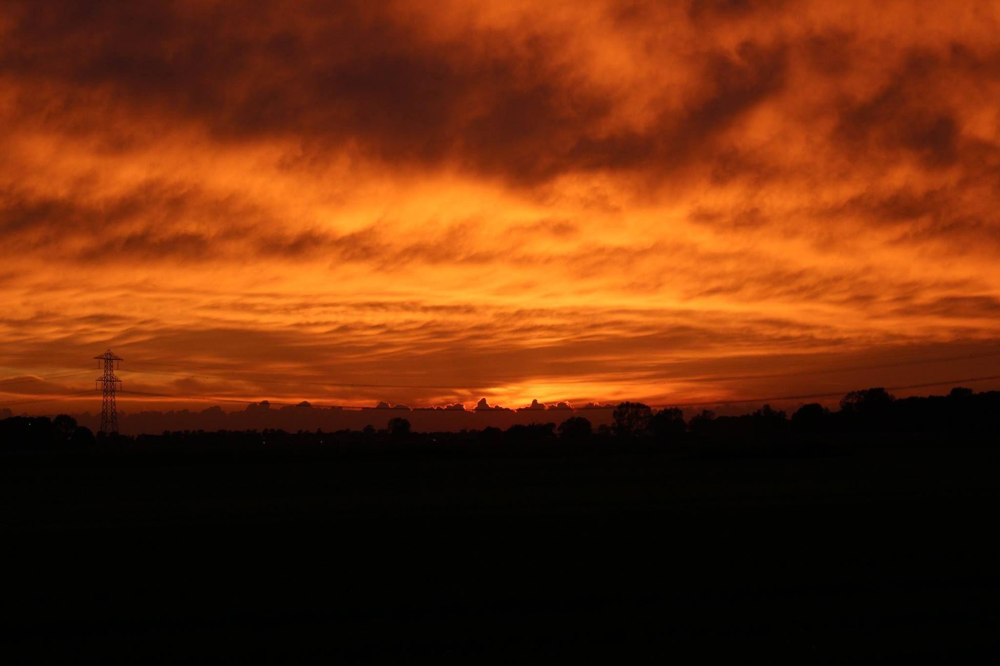 Woeste zonsondergang Leeuwarden