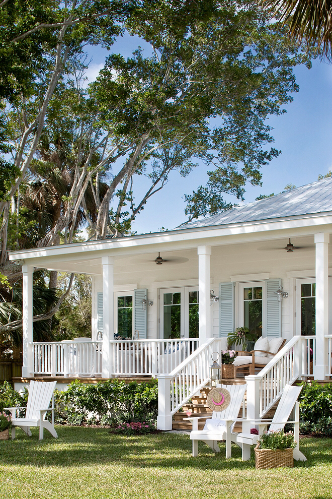 House Tour The Prettiest Florida Cottage Overlooking The Inter Coastal Waterway Beach House Design Beach Cottage Exterior Florida Cottage