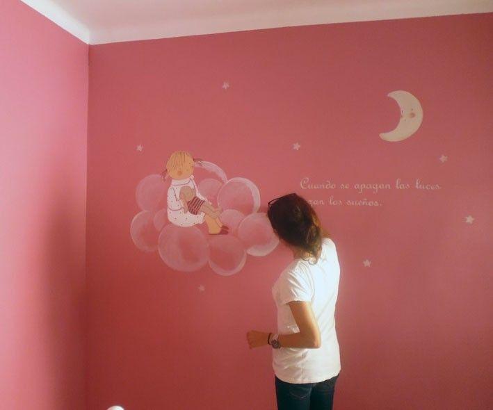 Mural ni a en una nube y texto mural pintado a mano for Colores para pintar una habitacion