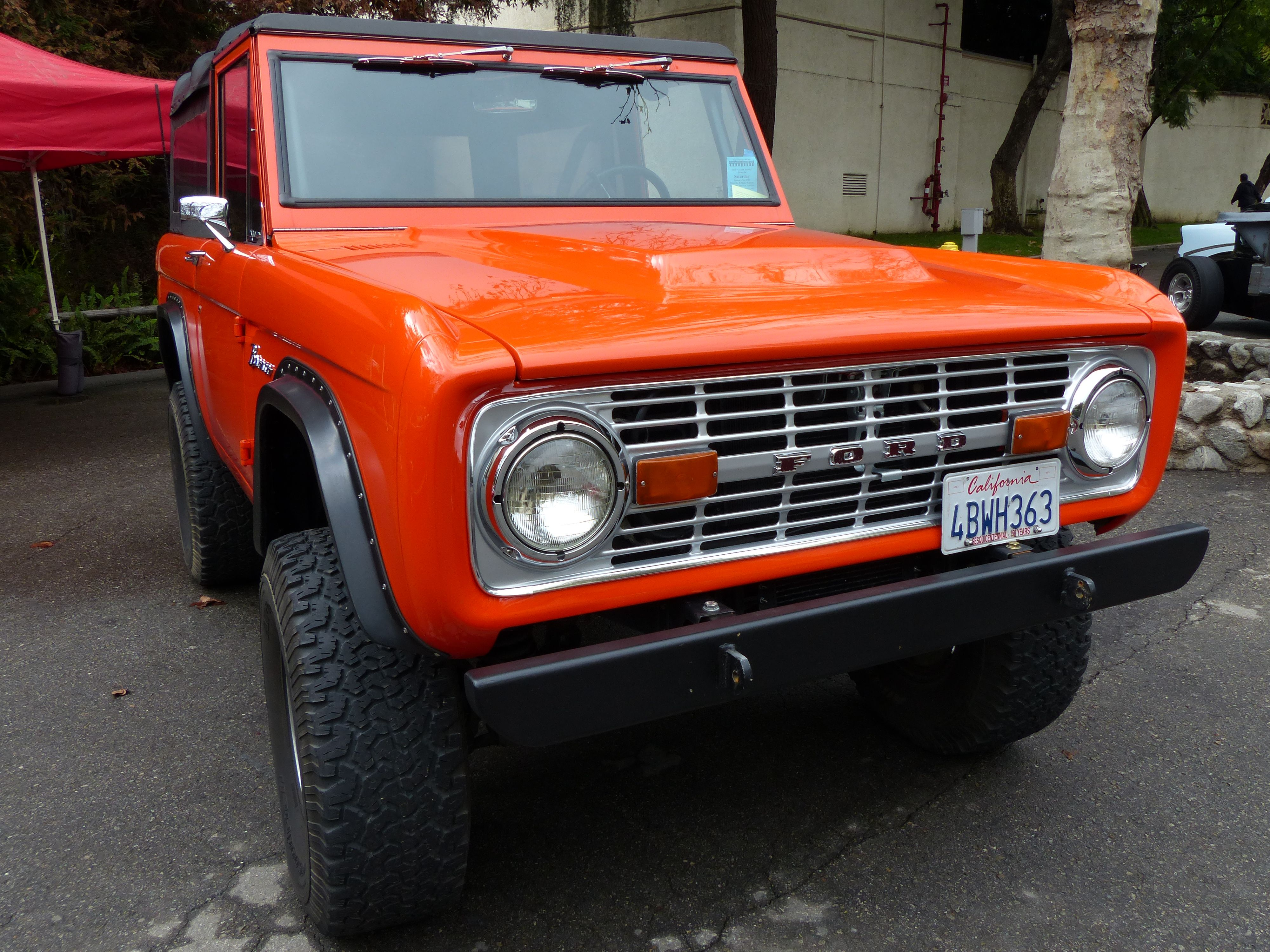 Ford Bronco SUV Sports Utility Vintage trucks, Ford