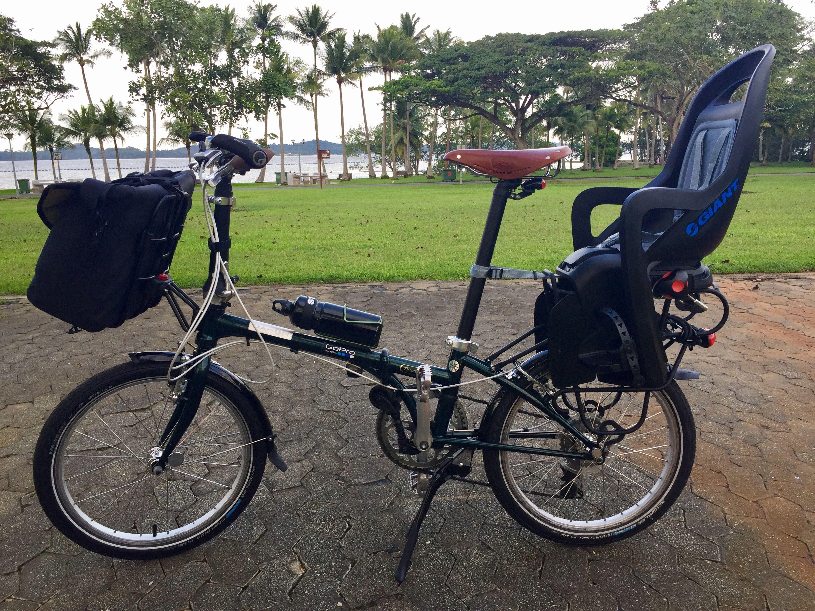 2e56ef89e1d Child seat on Dahon Boardwalk folding bike | Folding bike | Bike ...