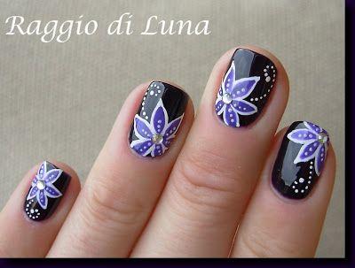 Raggio di Luna Nails: Purple flower on night purple