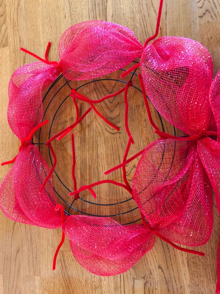 Pouf and Curly Deco Mesh Wreath Tutorial