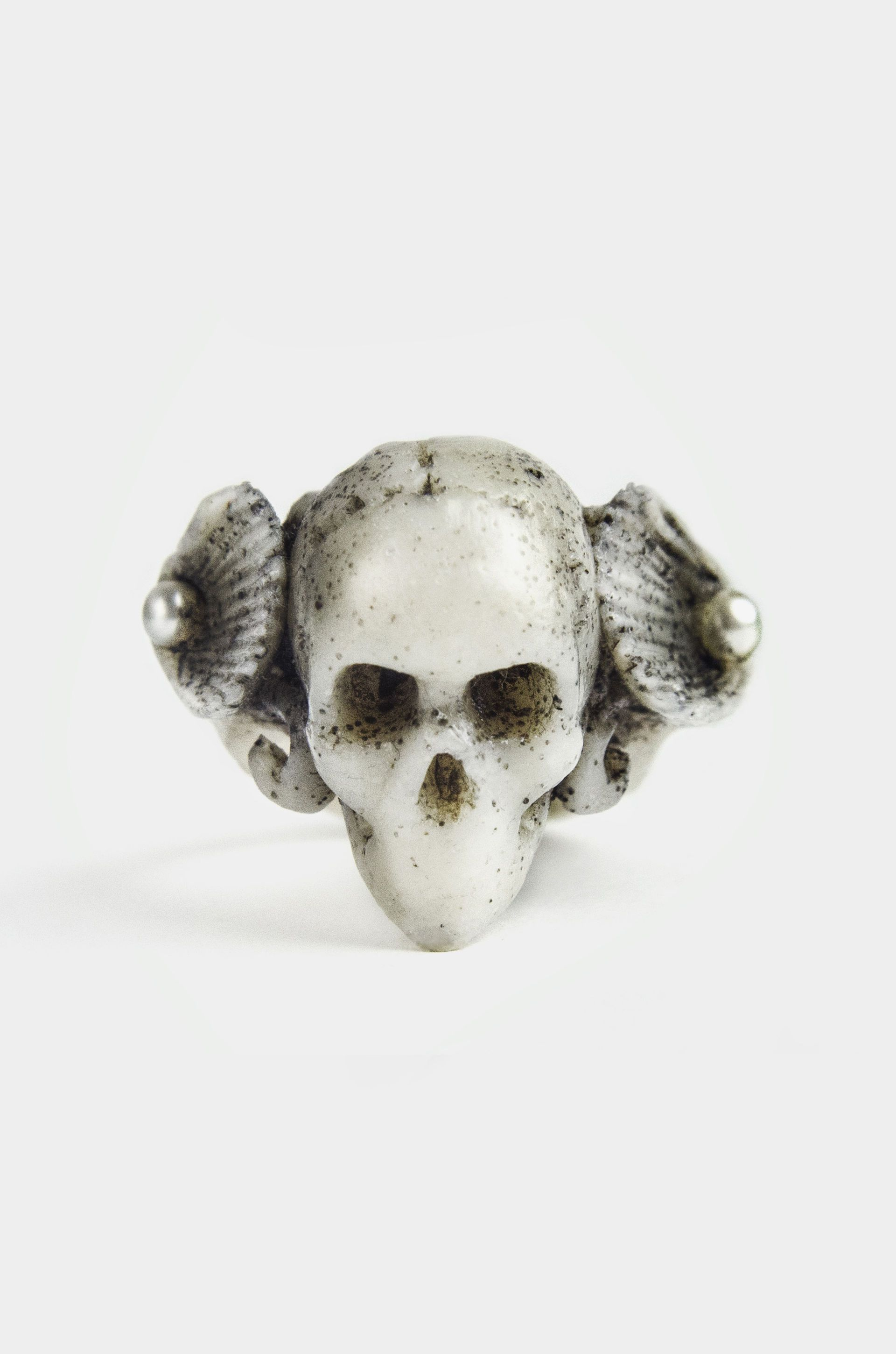White Shell Ring | Macabre Gadgets | Shop | NOT JUST A LABEL