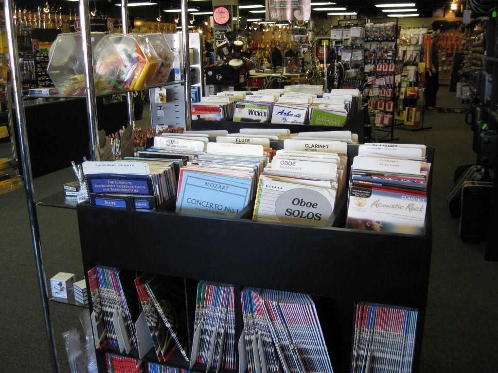 Dietze Music Briarhurst, based in Lincoln, NE, is a guitar store, musical instrument store, sheet music store that also offers instrument rentals in Lincoln, NE, Lancaster NE & the surrounding area in Southeast Nebraska.