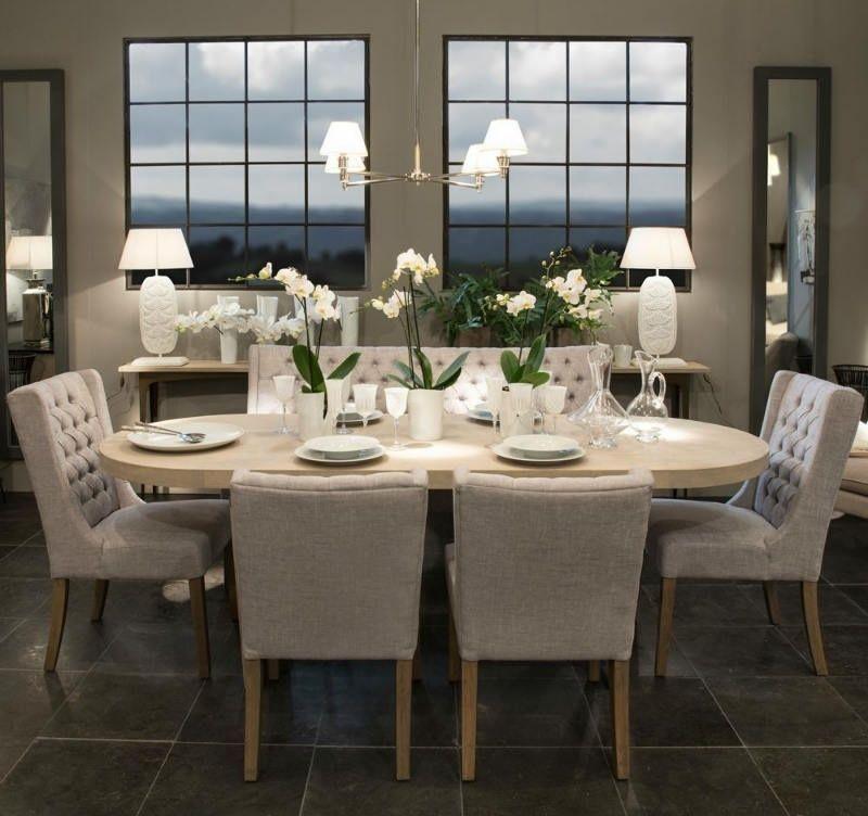 Mesa de comedor ligera y ovalada de madera en 2019 for Mesa de comedor elegante lamentable