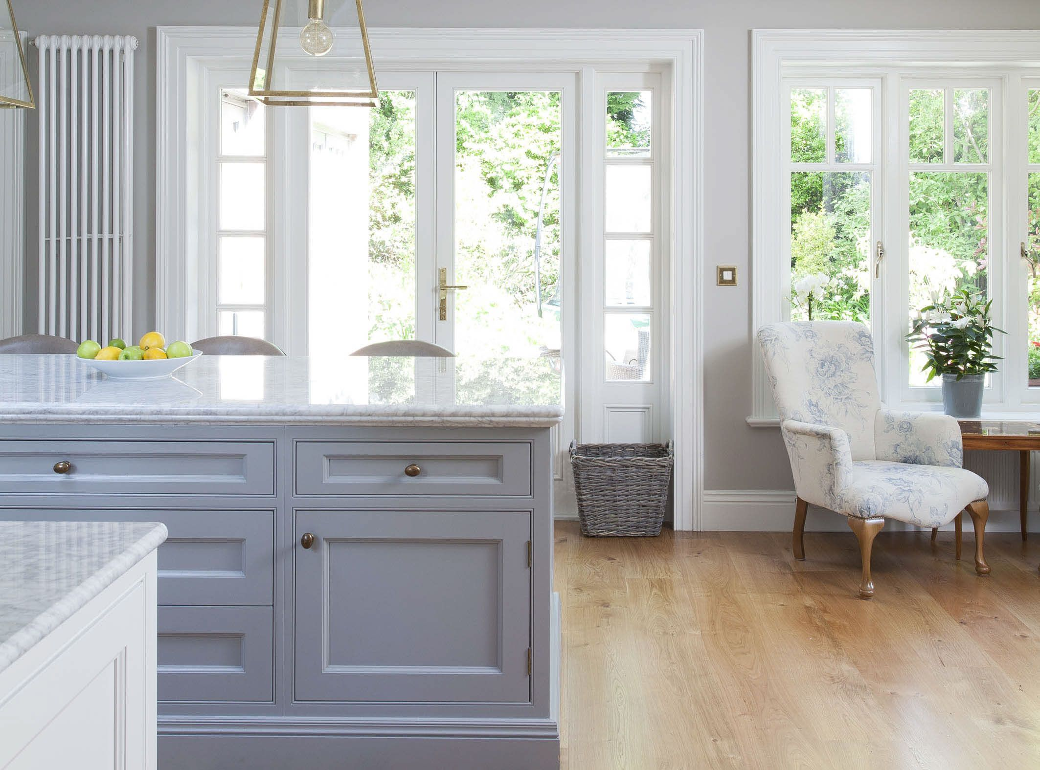 Handcrafted scheme by Woodale is handpainted in Distressed