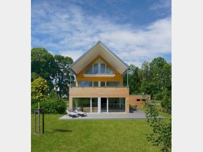 Mehrfamilienhaus Erstling Modernes Energiesparhaus Mit Satteldach