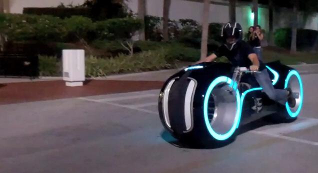 All-Electric lightcycle (Bild från Parker Brothers video)